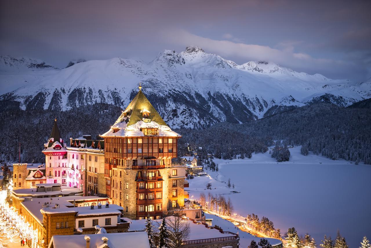 Badrutt's Palace Hotel Suisse Luxe vue montagnes